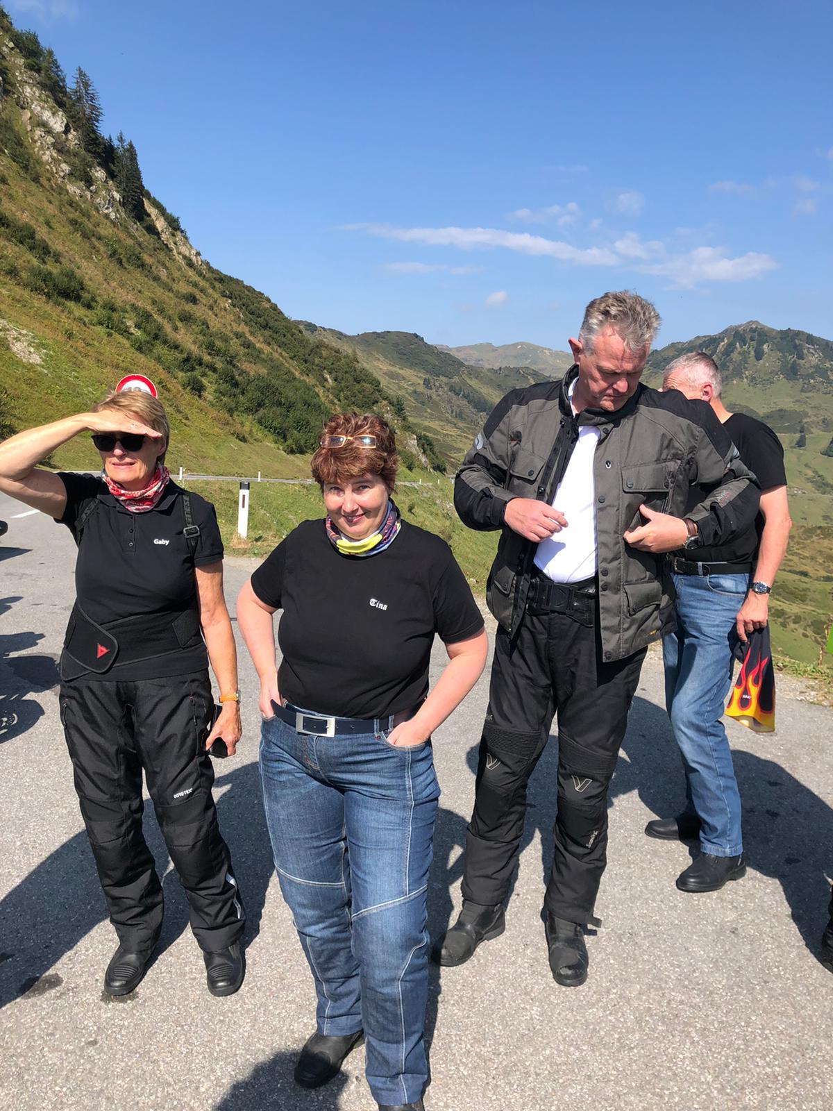 Gaby, Betina, Jo und verdeckt Bernd.