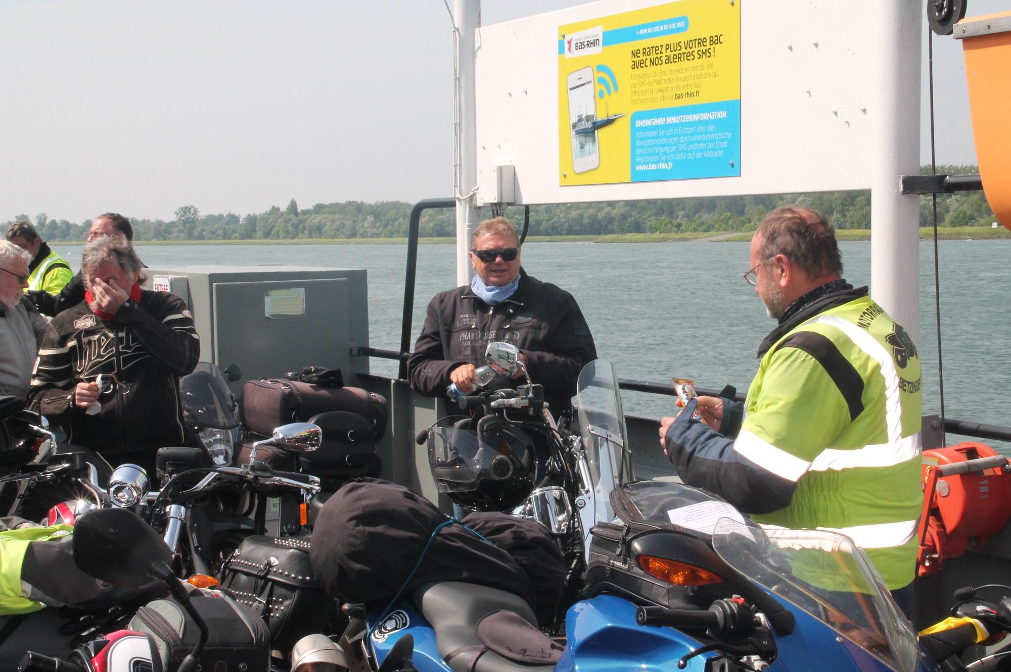 über den Rhein bei Geffern