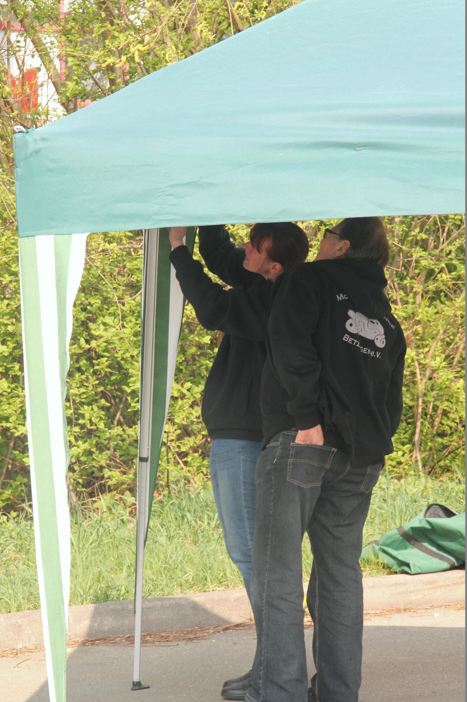 Aufbau vom Zelt