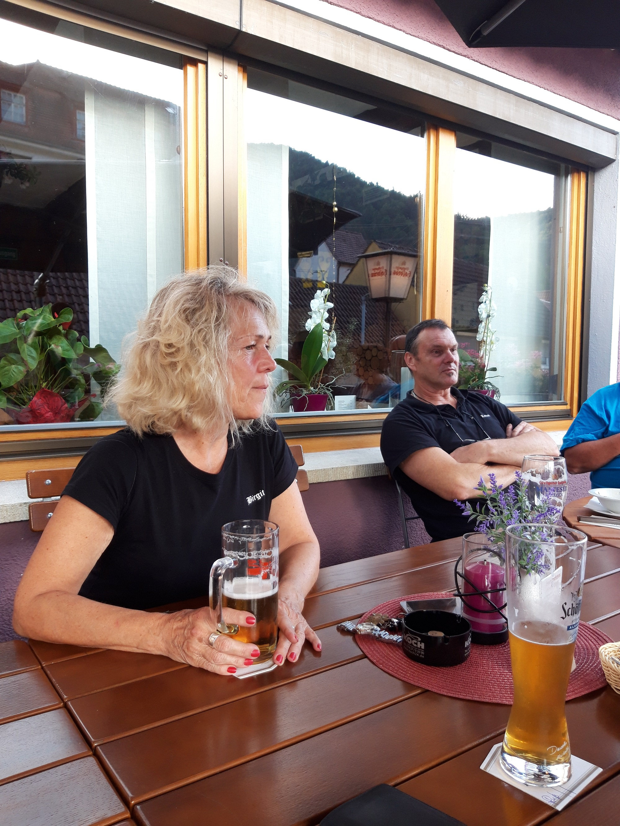 nach dem ersten Tag auf der Hotelterrasse,Bigi und Lothar ganz entspannt