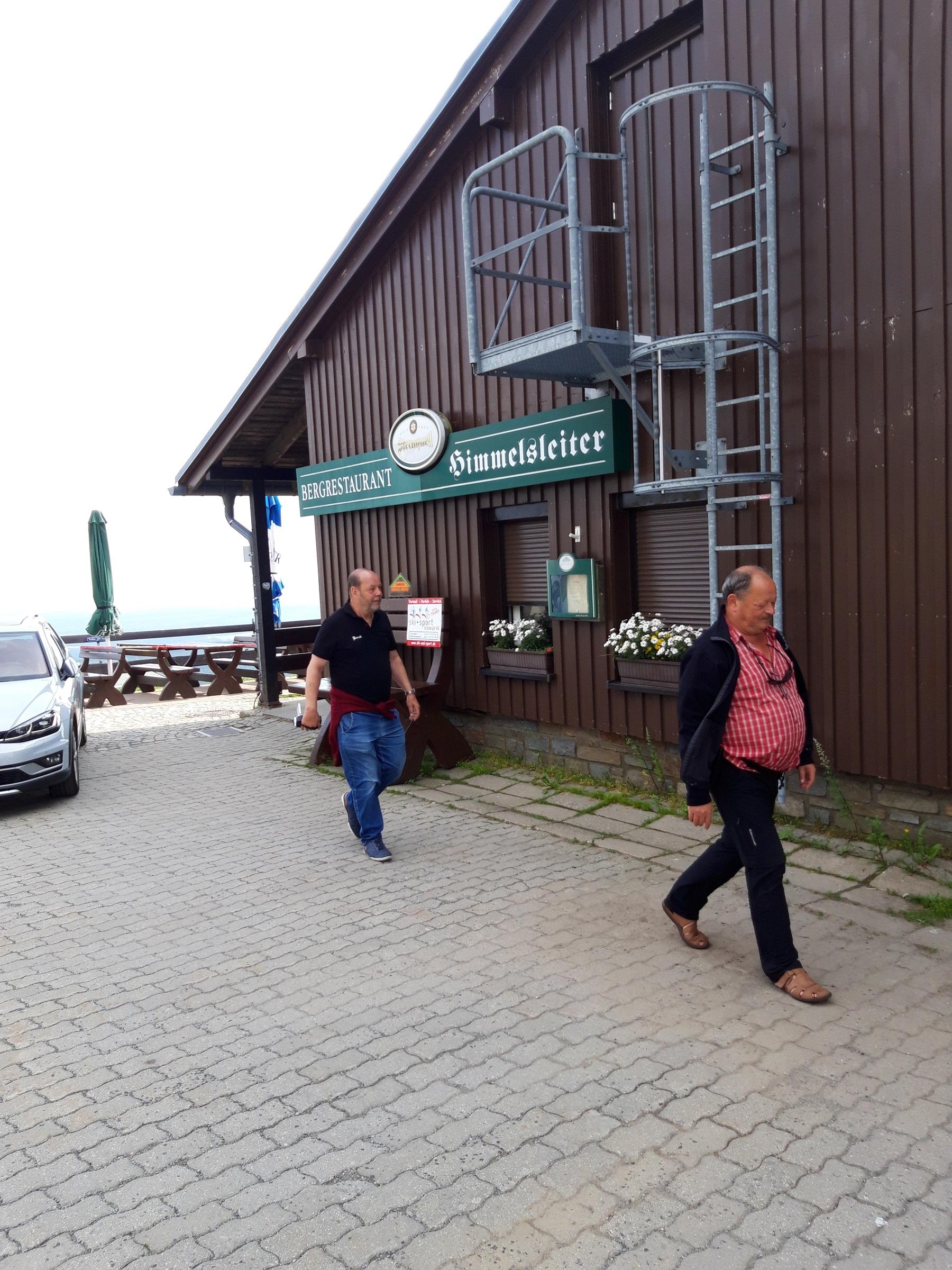 Peter und Bernd am Kiosk