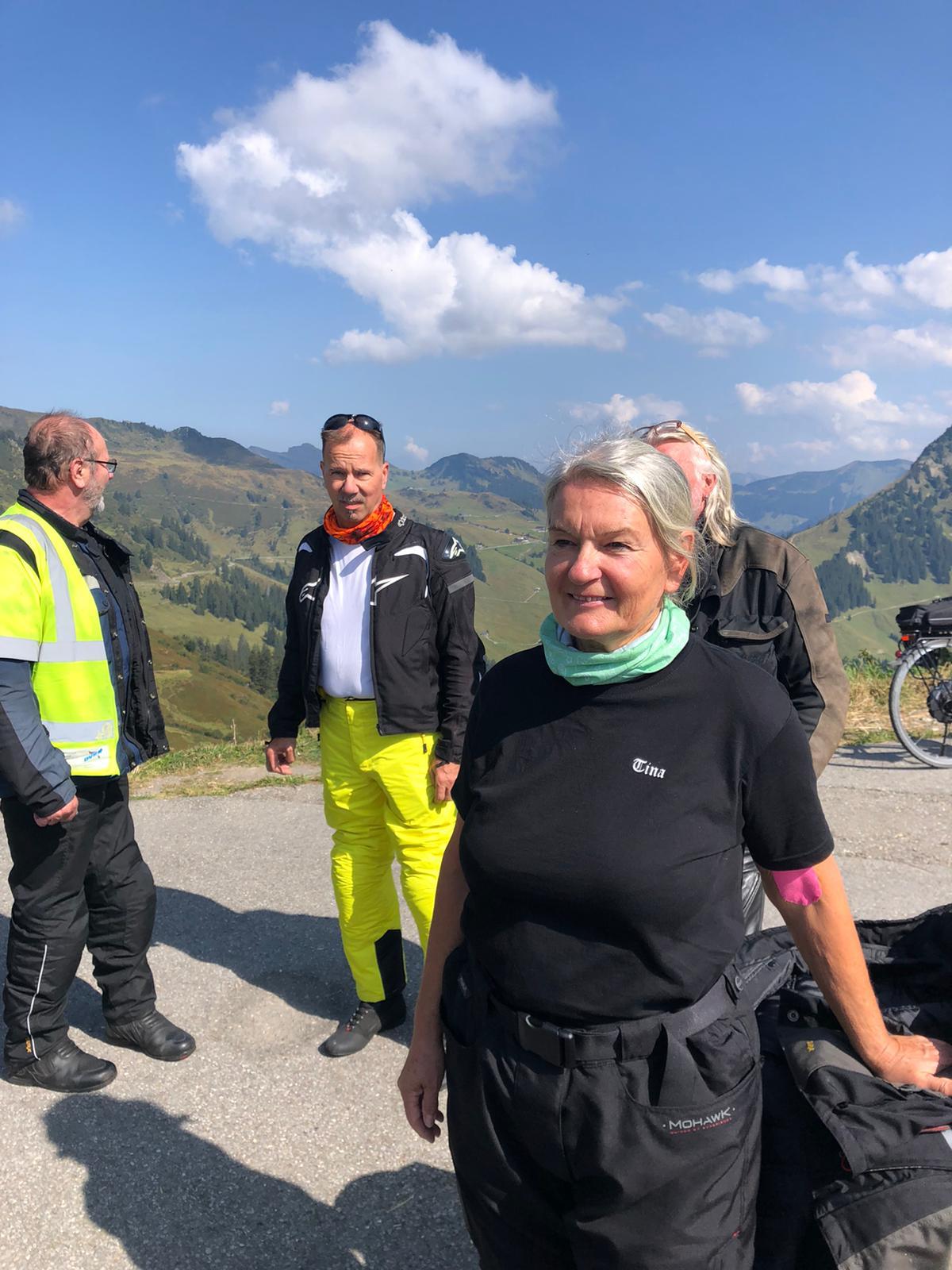 v.L.n.R. Hade, Spätzle.de und Tina